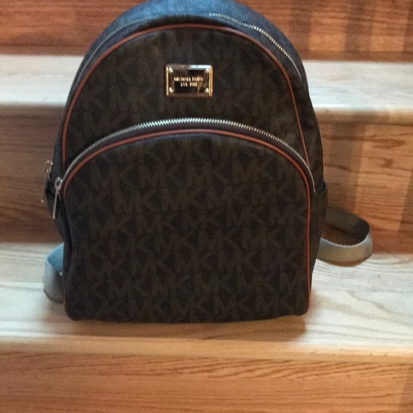 d1c39988014a ... spain michael kors leather original style backpack. 65bc8 1c197